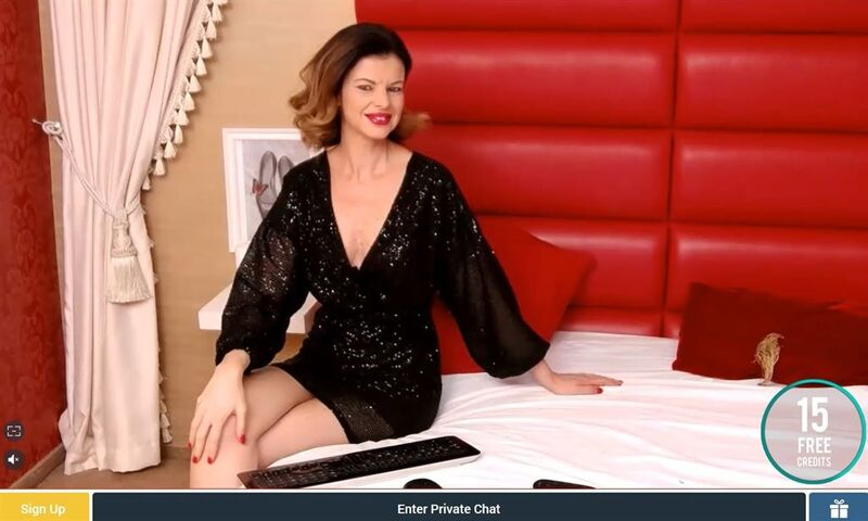 Sexier features stunning mature and MILF cam2cam models